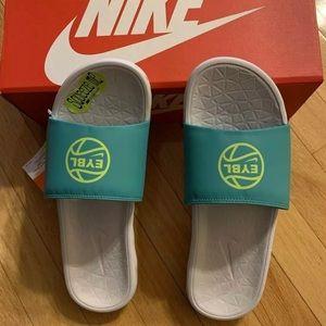 Nike Benassi Solarsoft EYBL Peach Jam 2019 Slides